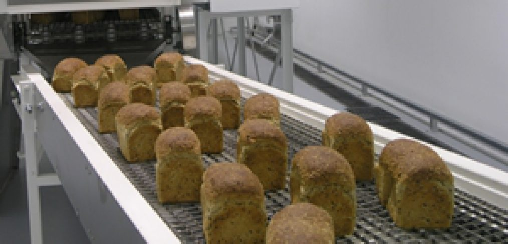 How do Locker Group's conveyor belts help the food industry?